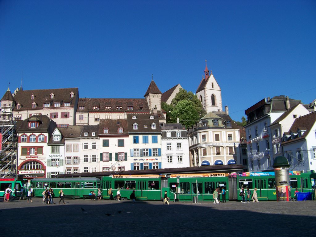 Hotels To Stay In Zurich