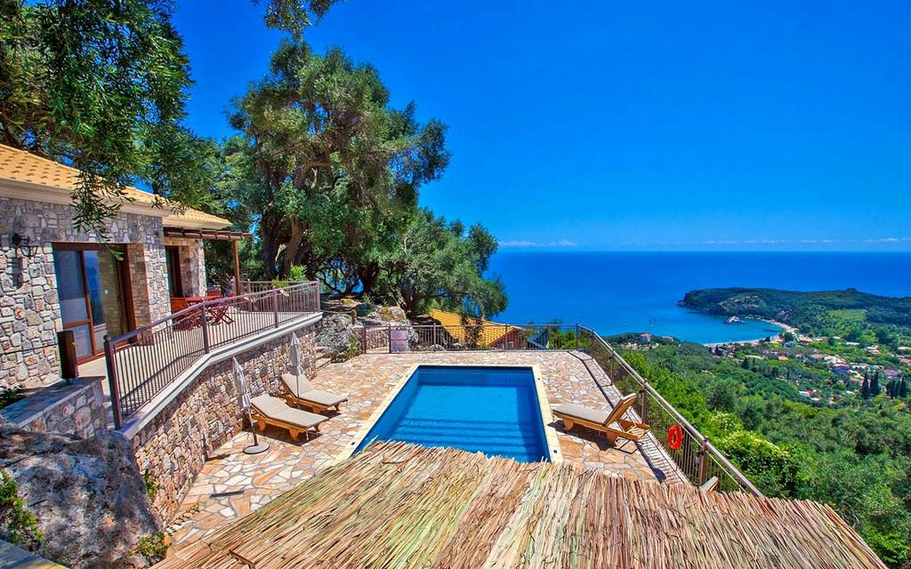 Вилла при отеле в греции