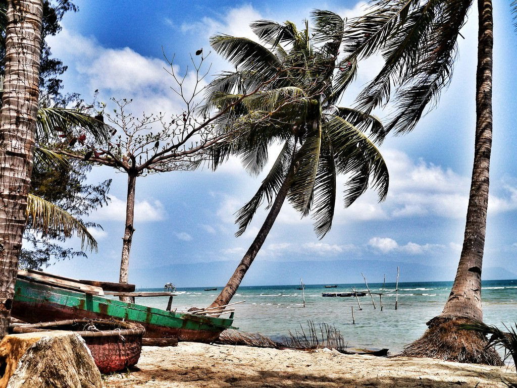 phu quoc Travellers guide on how to get from phu quoc to ha long bay by flight.