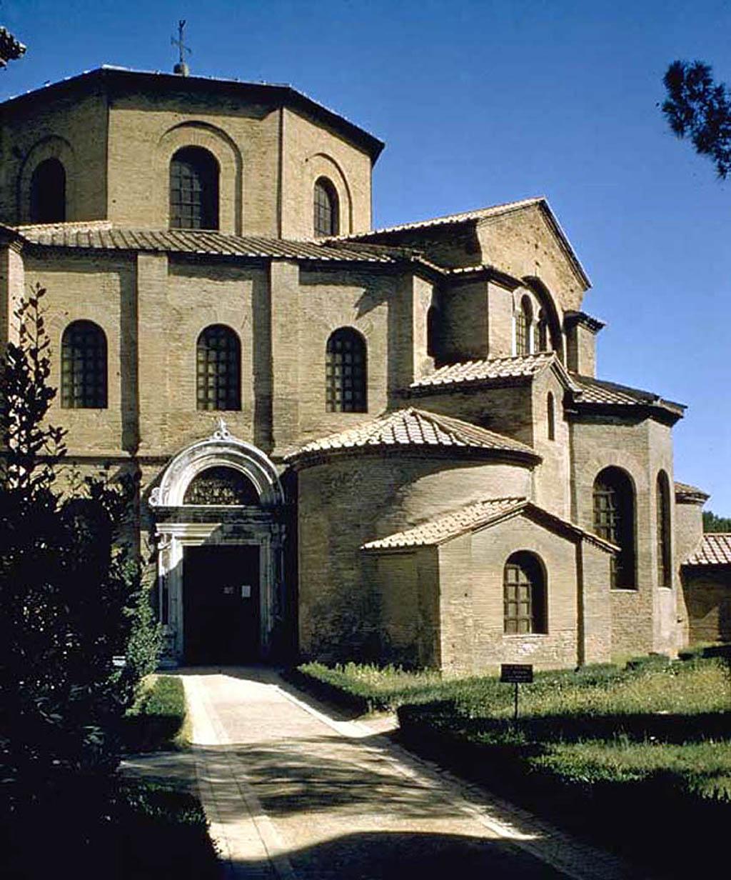 Купить недвижимость в Испании, Италии, Франции, дом в
