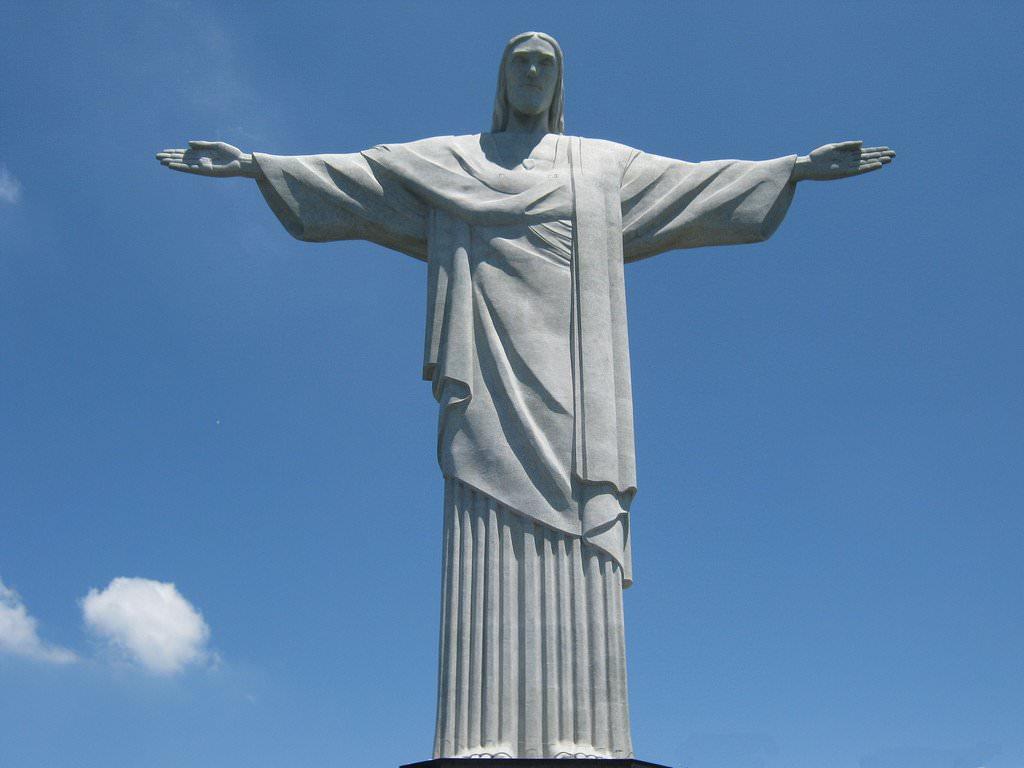 famous jesus statue in brazil
