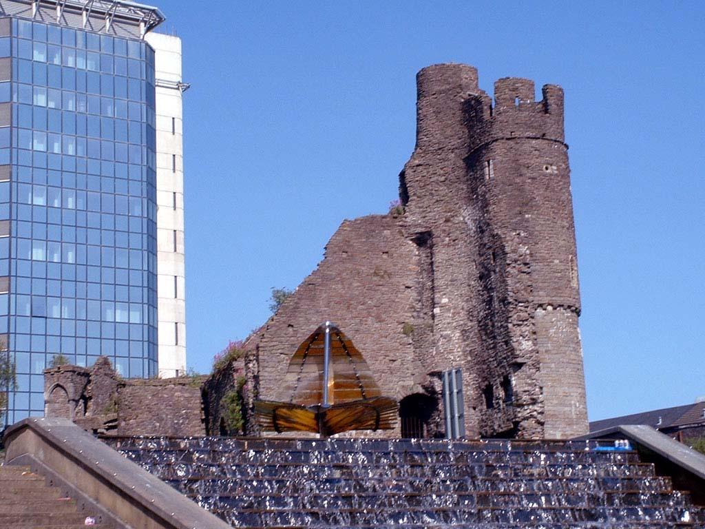 Swansea Travel Guide Things To See In Swansea Sightseeings