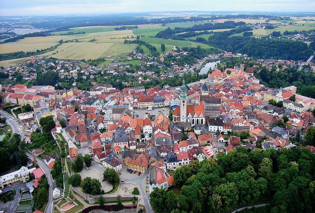 2444103f67d1 Торговые центры, магазины и супермаркеты расположены в городах Чешской  Республики почти на каждом шагу, что делает ее подходящим местом для  любителей ...