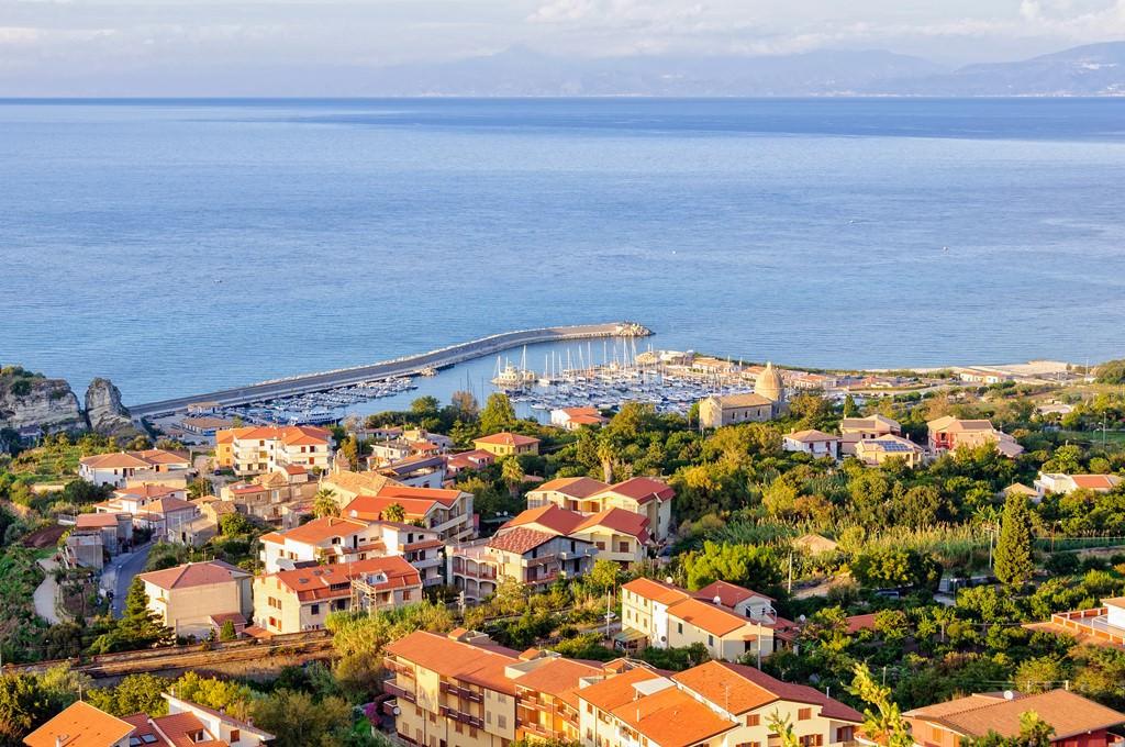 Недвижимость деревне италии
