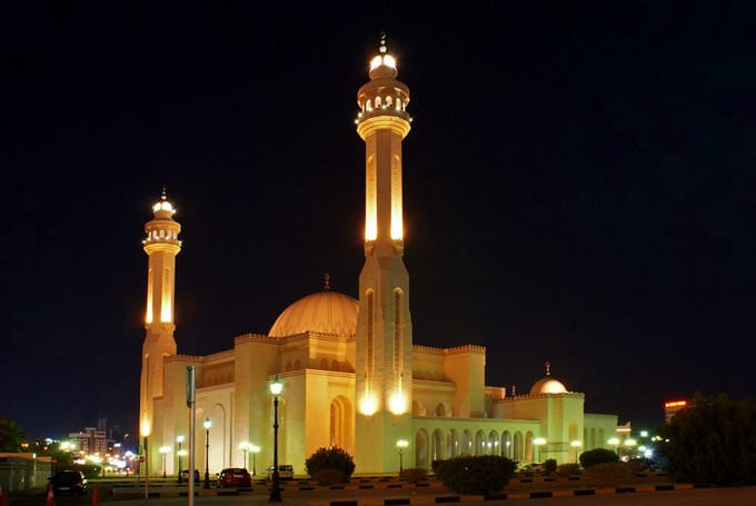 Bahrain Grant Mosque (Night view)