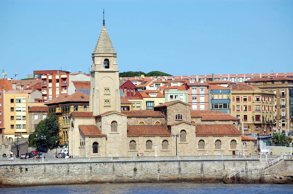 Gijon Spain  city pictures gallery : Travel Guide to Gijon, Spain