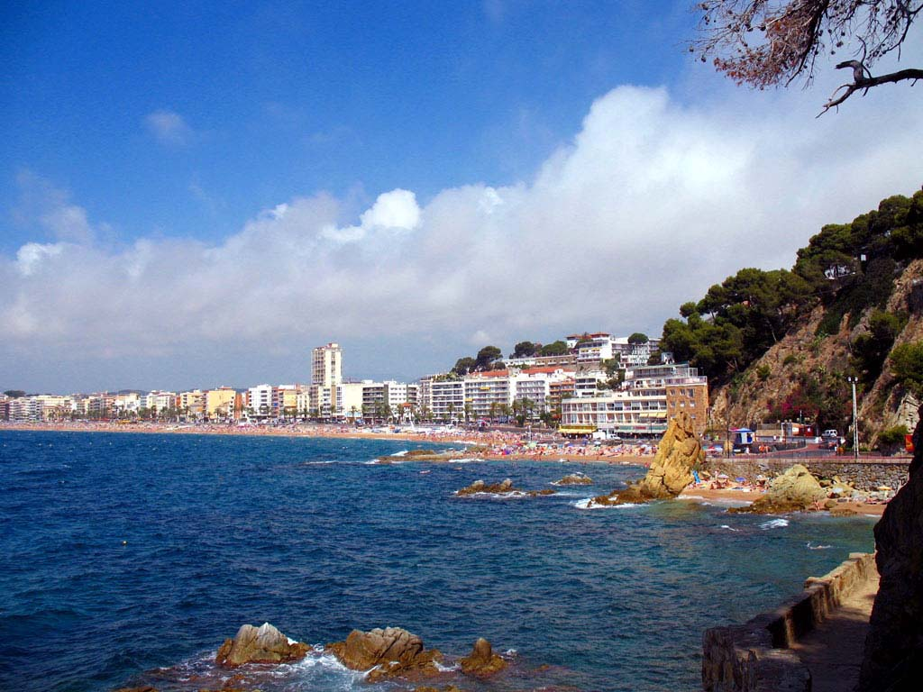 Hotels In Lloret De Mar Best Rates Reviews And Photos