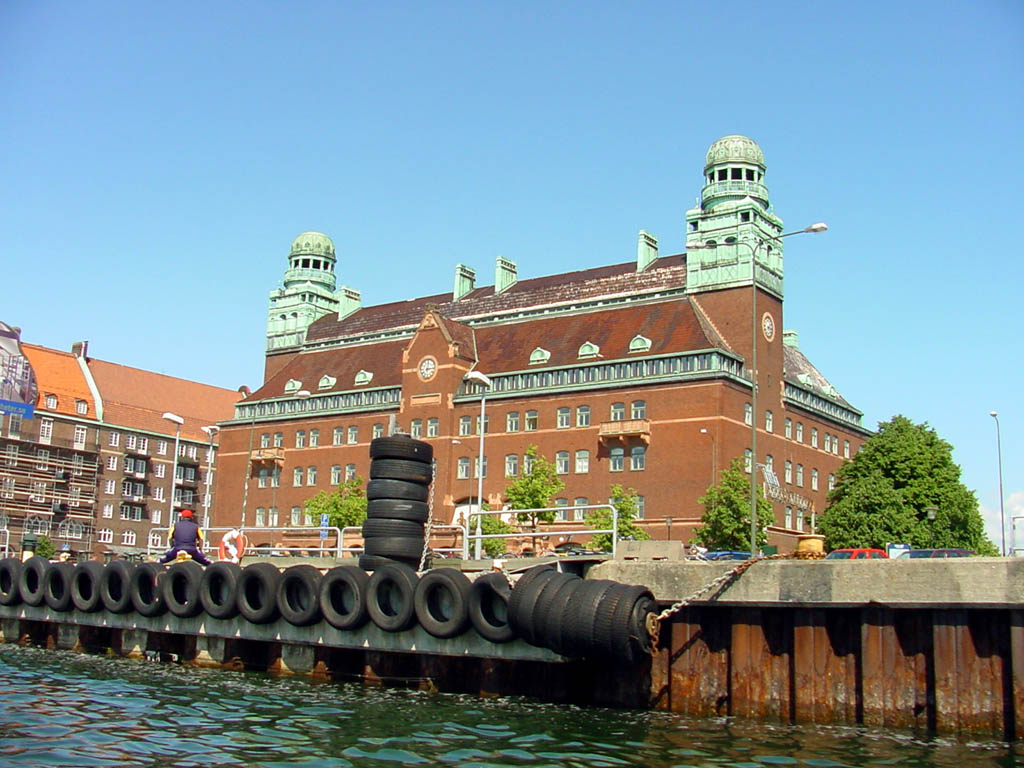 Sweden hotel booking book your hotel in sweden cheap and free - The industrial looking sauna in the port city of goteborg ...