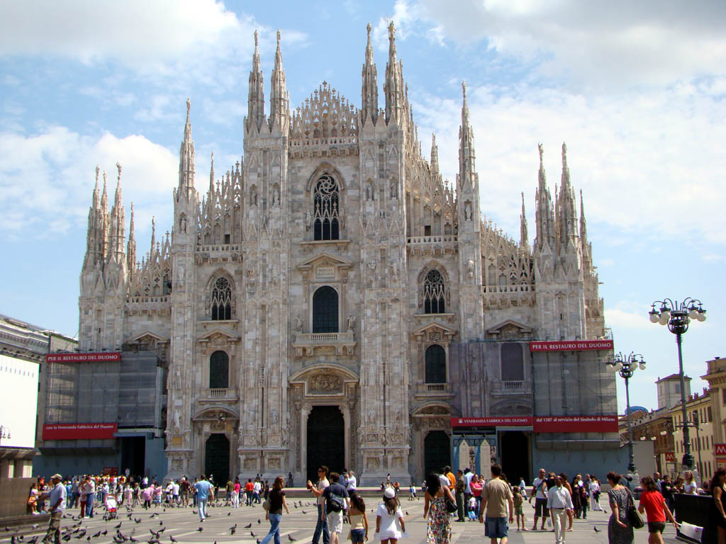 milan italy things travel hotels tourist sightseeing cities milano italia destinations guide orangesmile duomo informations