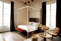 Отель Hotel DO Plaça Reial