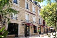 Отель Hotel Les Remparts