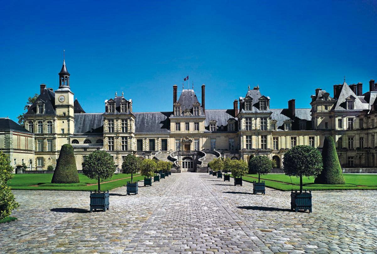 Chateau de fontainebleau series 39 most mysterious for Hotel fontainebleau france