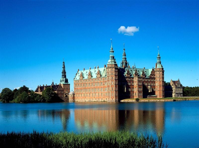 Schloss Frederiksborg Beeindruckende Schlösser Und Paläste Umgeben