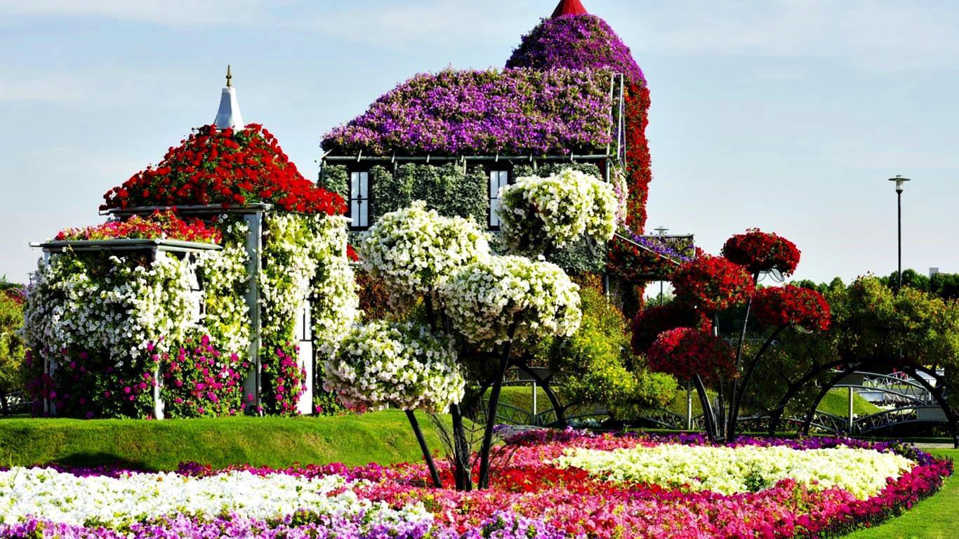 Flower house in dubai miracle garden park series 39 unique for Classic house with flower garden