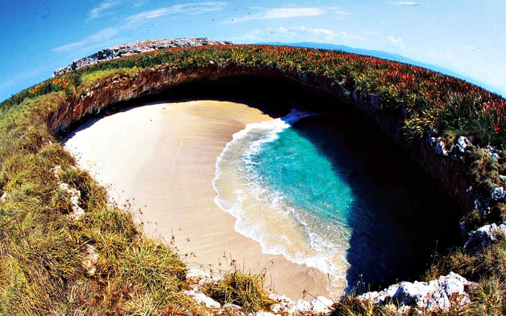 Playa del Amor | Series 'Most fabulous and magic beaches' | OrangeSmile.com