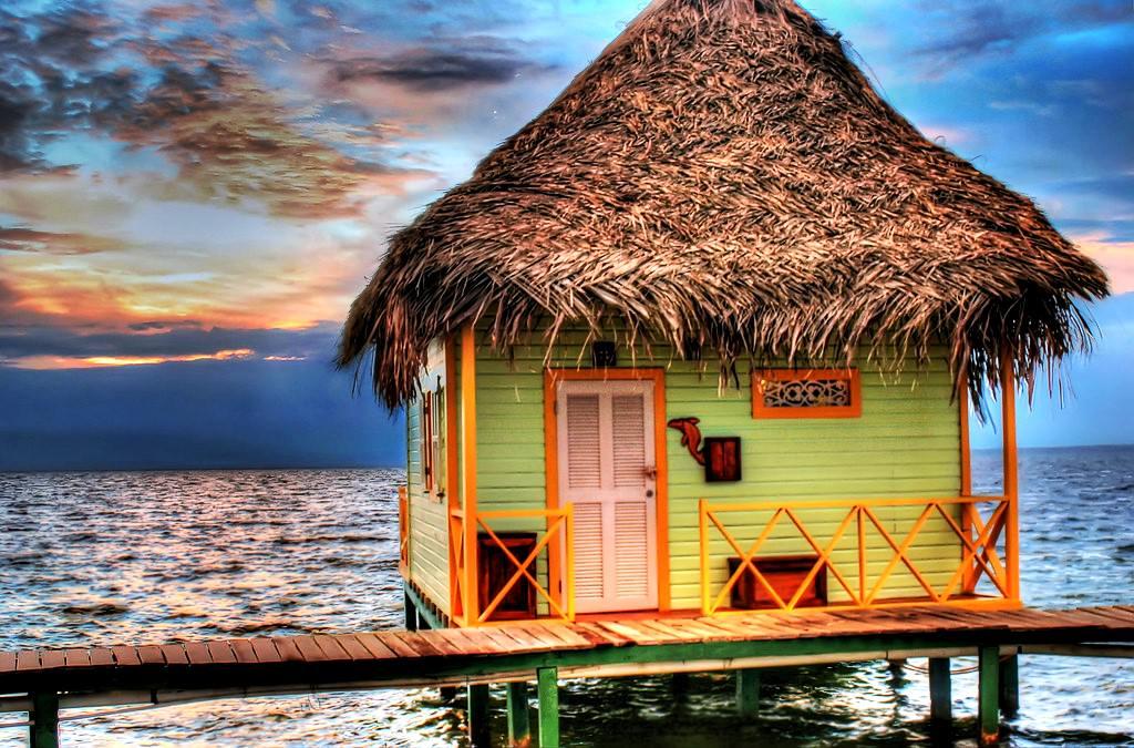 Hotel auf dem Wasser Punta Caracol | Die merkwürdigen Häuser ...