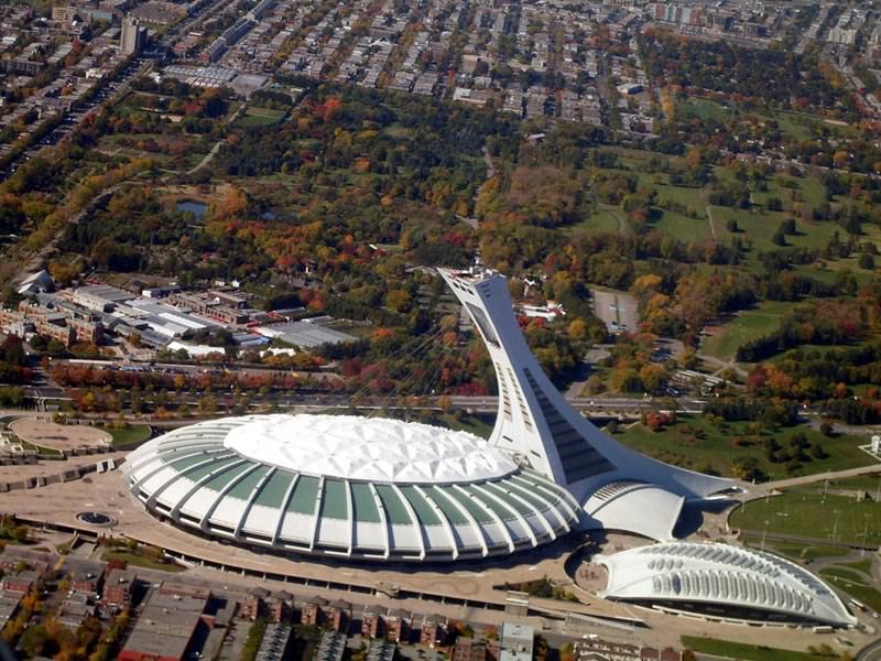 Olympiastadion | 14 Sportstadien mit beeindruckender Architektur ...