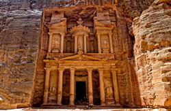 Храм Эль-Хазне, Иордания