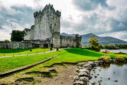 Замок До, Ирландия
