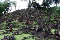 Пирамида Гунунг-Паданг, Индонезия