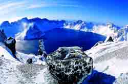 The highest mountain lakes of the planet