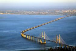 Vasco da Gama Brücke, Portugal