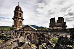 San Juan Parangaricutiro Kirche, Mexiko