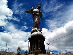 Statue der Jungfrau Maria Quito, Ecuador