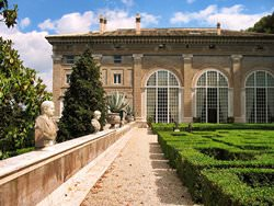 Вилла Мадама, Италия