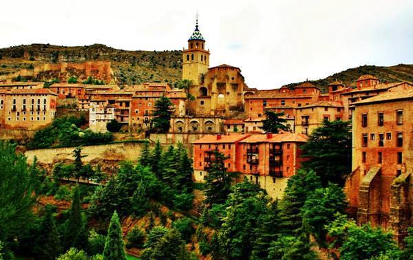 Город Альбаррасин, Испания