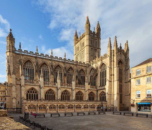 Батское аббатство, Англия