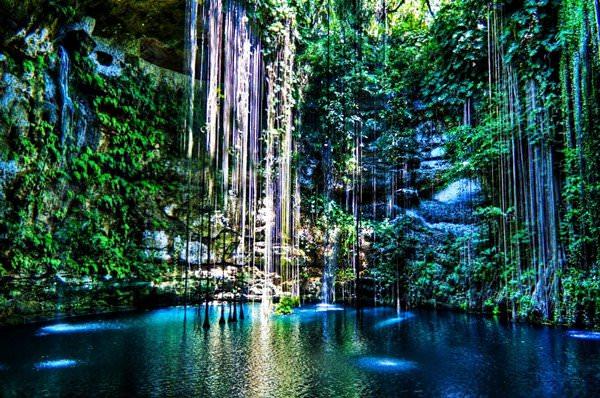 Cenote Ik Kil Well, Mexiko