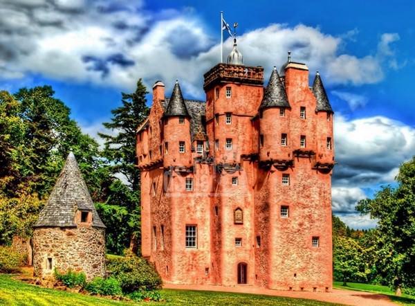 Замок Крэгивар, Шотландия