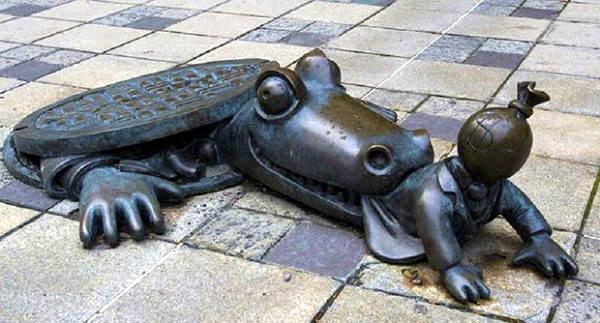 Crocodile and Capitalist Monument, United States