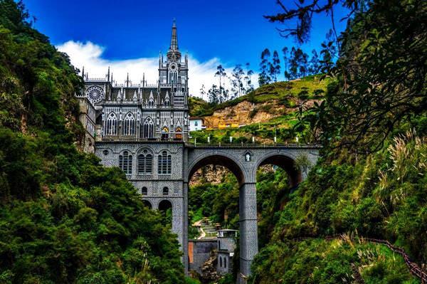 El Santuario de Las Lajas, Colombia