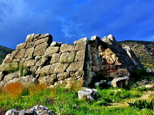 Die griechischen Pyramiden, Griechenland