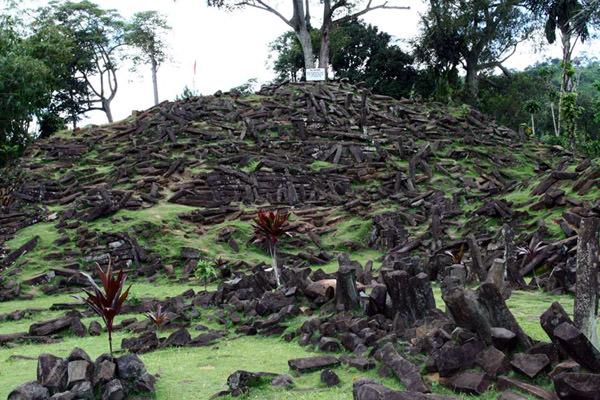 Gunung Padang Pyramide, Indonesien