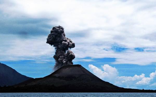 Volcán Krakatoa, Indonesia