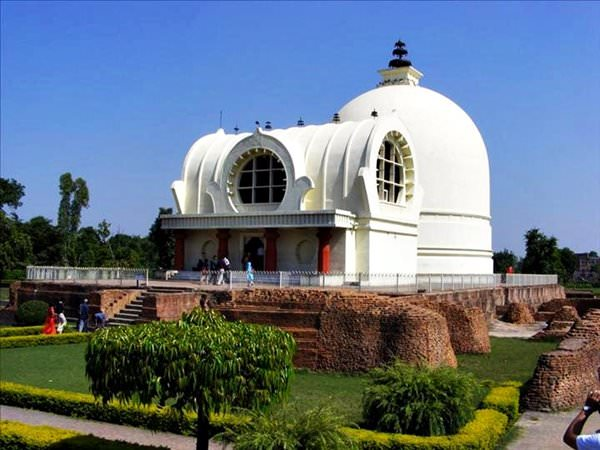 Mahaparinirvana and Parinirvana Stupa Temple, India