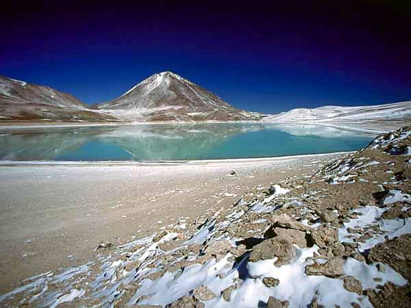 Озеро Охос-дель-Саладо, Аргентина - Чили
