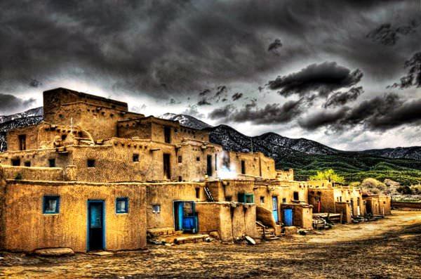 Индейское поселение Таос-Пуэбло, США