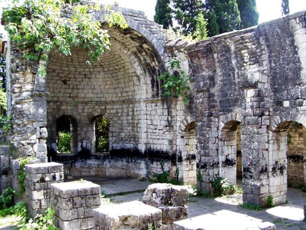 Tsandripshsky-Tempel, Abchasien