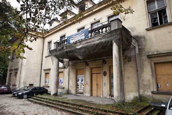 Тюрьма Монтелюпих, Польша