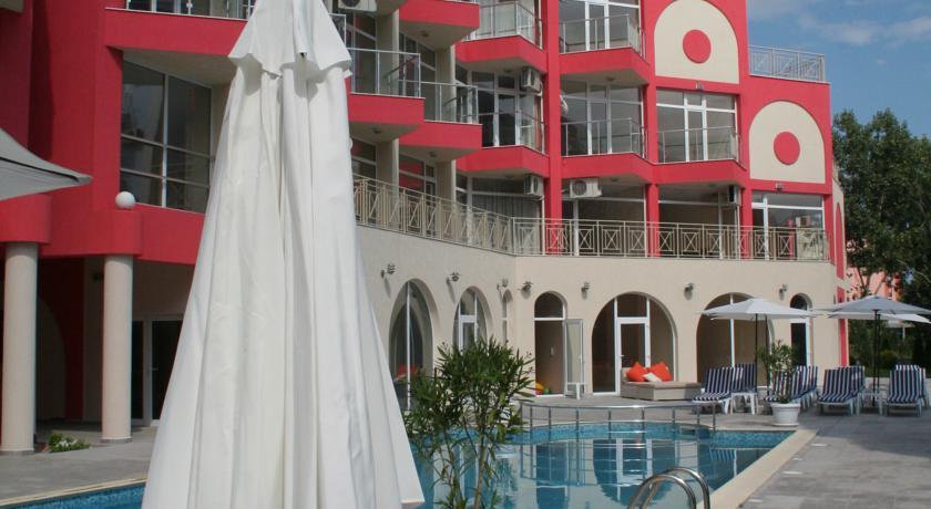 hotel rose garden: