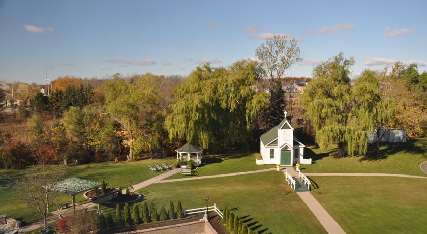 Foto  Peninsula Inn & Resort, Niagara Falls (Ontario)