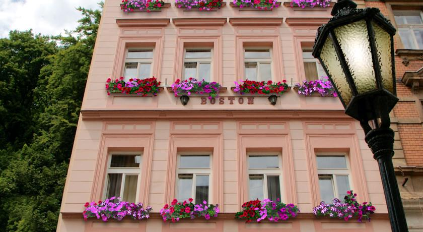 Foto  Boston, Karlovy Vary