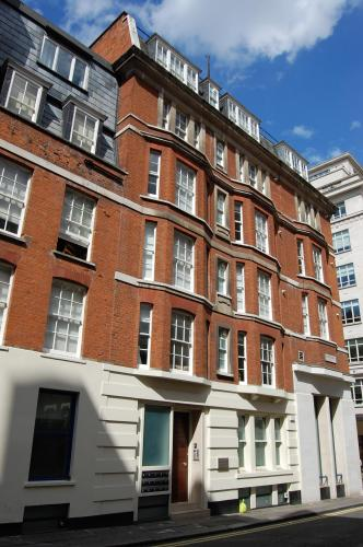 Foto of the hotel MiNC Mayfair Court, London