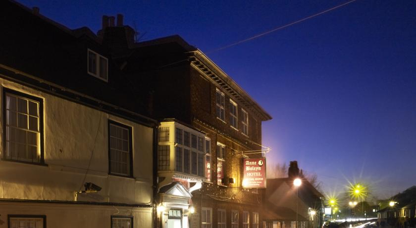 Foto of the The Anne Boleyn Hotel, Staines, Middlesex