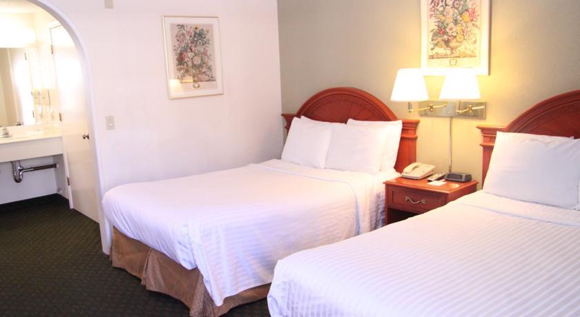 Foto  America's Best Inn & Suites - Redwood City, Redwood City (California)