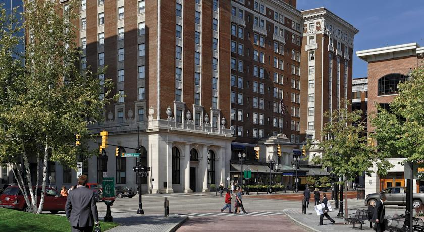 Rooms: Amway Grand Plaza Hotel, Grand Rapids